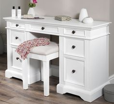 Gainsborough Dressing table. VERY SOLID white dressing table with deep drawers