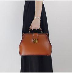 a1bf5e16bdb6 Women Leather Doctors Bag Handbags Purse