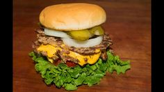 Steak n Shake Double n Cheese Steak burger ~ Copycat Recipe Burger Recipes, Copycat Recipes, Homemade Beef Burgers, Burger Mania, Complete Recipe, Burger Buns, Original Burger, Cheap Meals, Restaurant Recipes