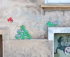 angry birds street art by OaKoAk