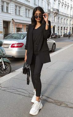 Mode Outfits, Casual Outfits, Fashion Outfits, Womens Fashion, Fashion Trends, Fashion Clothes, Fashion Ideas, All Black Outfit For Work, Pijamas Women