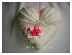 . Valentine Desserts, Valentine Cake, Valentines, Shoe Template, Icing Techniques, Heart Cakes, Ice Cake, Shower Cakes, Let Them Eat Cake
