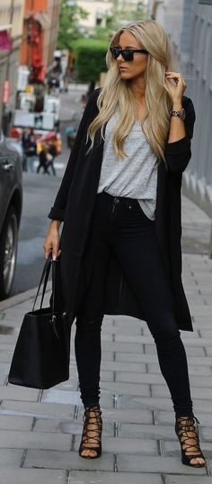 Loose grey Top with Skinnies Jeans | Chic Street O...