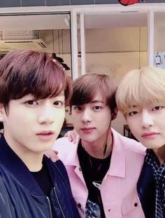 Foto Bts, Bts Photo, Bts Jin, Bts Taehyung, Jhope, Bts Video, Foto E Video, Bts Snapchats, J Hope Smile