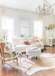 Vintage Whites Blog: Vanessa's Fall Home Tour and Unique Ways to Decorate for the Season