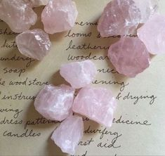 Crystal Aesthetic, Pink Aesthetic, Crystals And Gemstones, Stones And Crystals, Crystal Room, Birth Chart, Oui Oui, Wicca, Rose Quartz