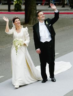 Pin for Later: 21 Breathtaking Wedding Gowns Worn by Real-Life Princesses Princess Märtha Louise of Norway, 2002 Princess Märtha Louise married Ari Behn wearing a gown by Norwegian designer Wenche Lyche.