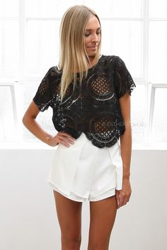lorde lace top - black