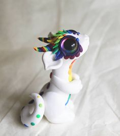 Handgefertigte Fimo Dragon Babies in allen Arten von Adorableness. 2019 Handgefertigte Fimo Dragon Babies in allen Arten von Adorableness. The post Handgefertigte Fimo Dragon Babies in allen Arten von Adorableness. 2019 appeared first on Clay ideas. Polymer Clay Dragon, Polymer Clay Figures, Polymer Clay Sculptures, Cute Polymer Clay, Polymer Clay Animals, Cute Clay, Fimo Clay, Polymer Clay Charms, Polymer Clay Projects