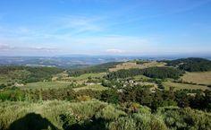 Le village lozérien de Saint-Laurent-De-Muret vu depuis le pic de Mus en regardant vers le sud.