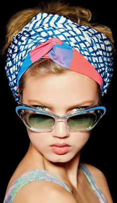 Lindsey Wixson | Editorial - Sunglasses - Shades - Portrait - Fashion - Photography - Pose Idea / Inspiration