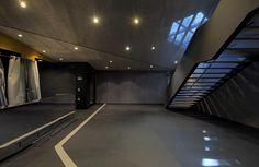 Zagreb Dance Center, un referente en cuanto a diseño. Antiguamente unas salas de cine reconvertidas. Iluminación tenue para las zonas comunes