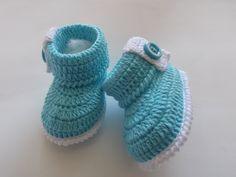 botinha feita de croche, tamanhos a criterio do cliente. <br> tamanhos:0 a 3 meses e 3 a 6 meses !!! <br>informar o tamanho no ato da compra!