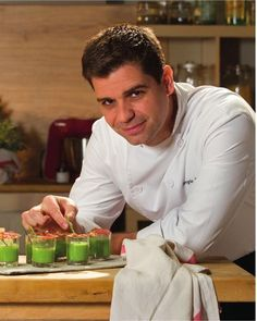 Tapas y aperitivos con Sergio Fernández Fingers Food, Tapas Party, Food Decoration, Canapes, Make It Simple, Catering, Food And Drink, Appetizers, Snacks
