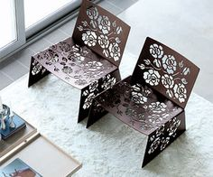 Roses range from chairs to tables with different shapes and dimensions in the form of laser-cut metal.