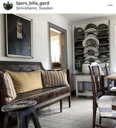 bjorn_billa_gard Georgian Interiors, Swedish Interiors, Paris Living Rooms, Formal Living Rooms, Antique Interior, French Interior, Swedish Style, Swedish Design, Scandinavian Living