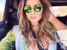 óculos-sol-verão-2015-2016-redondo-lente-espelhada-spektre-lente-verde-thassia-naves.  Top Importados 1dc3340fec