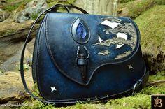 leather purse by Les Cuirs de Belfeuil