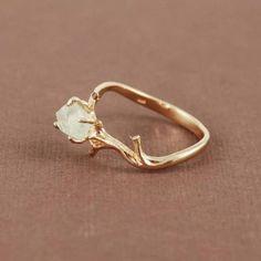anillo minimalista rústico