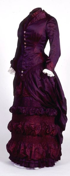 Possible wedding or trousseau dress, Mme. Hawkes, Brighton, England, ca. 1879. It would have been worn with a fitted corset and small padded bustle underneath. Royal Pavilion Museums & Galleries via en.convdocs.org