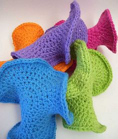 A practically hyperbolic dishcloth..The odd shape makes them incredibly pliable!.. Free pattern!!