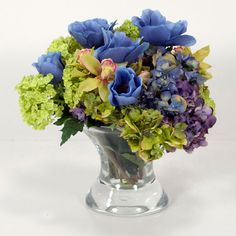 Mixed Hydrangea In Glass http://www.beyondtherack.com/member/invite/B7C53751