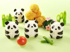 Baby Panda Nori and Seaweed set. Create a panda from Rice and Nori with this fun Bento cutter and mold kit. Panda Sushi, Diy Panda, Sushi Maker, Cute Bento, Bento Recipes, Rice Balls, Bento Box Lunch, Box Lunches, School Lunches