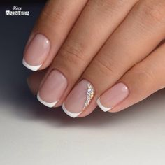 Want some ideas for wedding nail polish designs? This article is a collection of our favorite nail polish designs for your special day. French Nails, French Manicure Acrylic Nails, Classy Nails, Cute Nails, My Nails, French Nail Designs, Nail Polish Designs, Nails Design, Bridal Nail Art