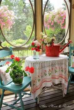 Porch table with geraniums Cottage Porch, Cottage Living, Cozy Cottage, Cottage Homes, Cottage Style, Garden Cottage, Red Cottage, Farms Living, Shabby Cottage
