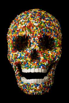 While Damien Hirst made news with his diamond crusted skull, no one mentioned his tasty candy covered Skull. Damien Hirst, Skull Color, Image Crayon, Street Art, Candy Skulls, Sugar Skulls, Vanitas, Skull And Bones, Memento Mori