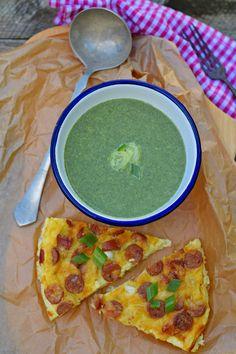Spenót sajtos-virslis tojáslepénnyel, bögrésen   Rupáner-konyha Palak Paneer, Breakfast, Ethnic Recipes, Food, Eten, Meals