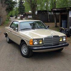 Mercedes Benz 300, Classic Mercedes, Benz C, Dream Cars, Patio, Instagram, Motorbikes, Cutaway, Terrace