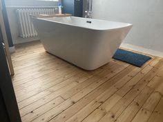 Vitrifier ou pas un parquet dans une salle de bain ? la preuve en image, alors convaincu Pose Parquet, Brest, Bathtub, Bathroom, Rennes, Bath, Standing Bath, Washroom, Bathtubs