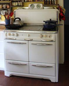 1940s Wedgewood stove
