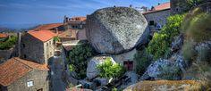 http://mundodeviagens.com/monsanto/ - Neste artigo, decidimos virar os nossos olhos para a vila de Monsanto em Portugal e procurar alguns dos recantos mais fantásticos e curiosos que atraem os turistas e põe esta pequena vila na boca do mundo. Preparado para embarcar nesta viagem?