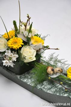 Workshop Pasen: Model Guirlande Stof   Floral Blog   Bloemen, Workshops en Arrangementen   www.bissfloral.nl