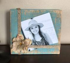 Frames Rustic Barnwood Photo Holder Distressed Wooden Photo Square How To Choose A Pool Cover? Reclaimed Wood Picture Frames, Rustic Picture Frames, Picture On Wood, Wood Frames, Wood Block Crafts, Wooden Crafts, Diy Crafts, Barn Wood Crafts, Marco Diy