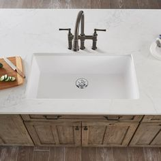 You name it this Quartz Luxe sink can hold it. Kitchen Sink, Kitchen Decor, Composite Sinks, White Sink, Kitchen Trends, Home Renovation, Kitchen Remodel, Kitchen Design, Pots