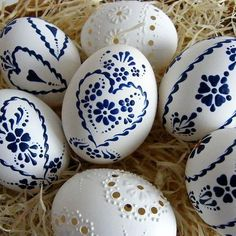 Sensational Easter Egg Decorating Ideas - Life Is Fun Silo Egg Crafts, Easter Crafts, Egg Shell Art, Easter Egg Pattern, Egg Tree, Easter Egg Designs, Ukrainian Easter Eggs, Easter Traditions, Egg Decorating