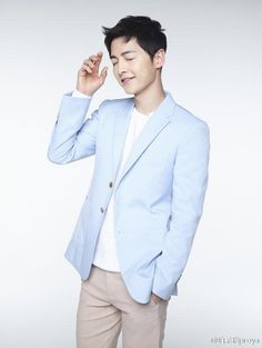I'm going to be stuck in my Song Joong Ki and Song Hye Kyo obsession for a while. I have a bunch of other celebrity pictorials that I gathered and could put up, but I haven't bee…