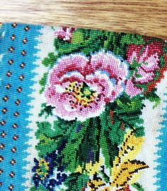 19th century beaded bag http://www.embroiderersguild.com/
