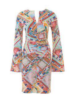 burda style, Schnittmuster - Kleid mit langen, ausgestellten Ärmeln und gerafften Nähten, Nr. 122 aus 06-2015