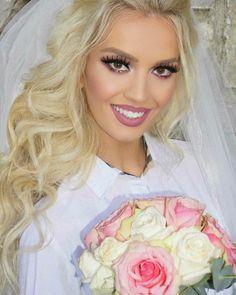 ♥Nusset.Shqiptareeee♥ ...................................................................................... #wedding #party #weddingparty #dasma #shqiptare #nuse #tagsforlikes #celebration #bride #groom #bridesmaids #happy #happiness #unforgettable #love #forever #weddingdress #weddinggown #weddingcake #family #smiles #together #romance #marriage #weddingday #flowers #instawed #instawedding #party #congrats #congratulations ��…