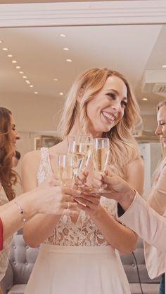 Finde das perfekte Brautkleid für einen perfekten Moment 👰🏼 Wir beraten dich mit Herz und Leidenschaft in unserem Brautsalon ✨ White Dress, Female, Tricks, Moment, Dresses, Fashion, Dresses For Graduation, Perfect Wedding Dress, Gift Wedding