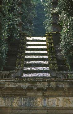 Villa Aldobrandini, Catena d'acqua,Frascati, Rome