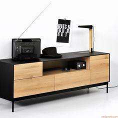 Blackbird-TV | Mobile porta TV in legno di rovere tinto nero, con ante e cassetti in legno di rovere tinta naturale