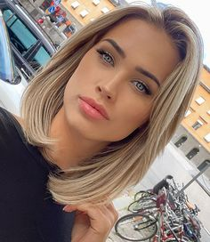 Get a job you don't need vacation from 🙌🏼☀️ Cut My Hair, New Hair, Hair Cuts, Medium Hair Styles, Short Hair Styles, Hair Express, Beige Hair, Great Hair, Hair Today