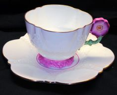 Aynsley Pink Flower Handle Simply White Texture Tea Cup And Saucer Vintage Cups, Vintage Tea, Pink Tea Cups, Tea And Crumpets, My Cup Of Tea, Tea Cup Saucer, High Tea, Afternoon Tea, White Texture