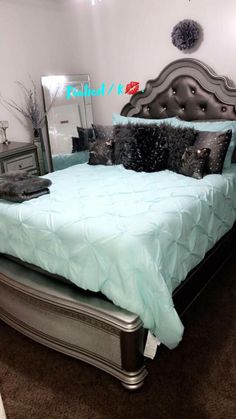 Glam Bedroom Ideas - A wonderful collection on decorating tactic and examples. Cute Bedroom Ideas, Cute Room Decor, Glam Bedroom, Room Decor Bedroom, 1930s Bedroom, Queen Bedroom, Modern Bedroom, Diy Bedroom, First Apartment Decorating