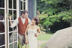 South coast wedding : bride and groom wedding photos : Kat Stanley Photography : Sydney Wedding Photographer - Mount Keira: Jackie & Brett